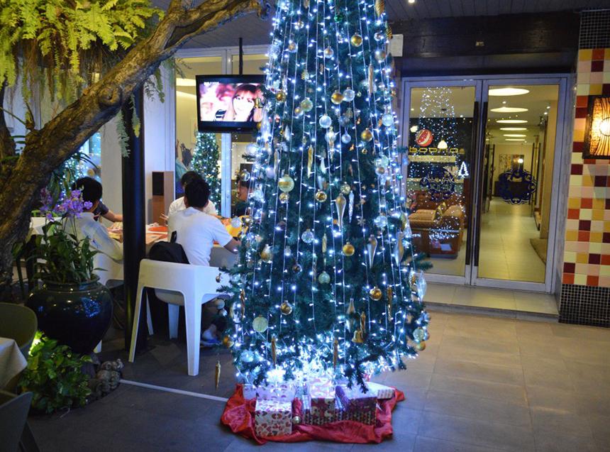 なぜかクリスマスツリー
