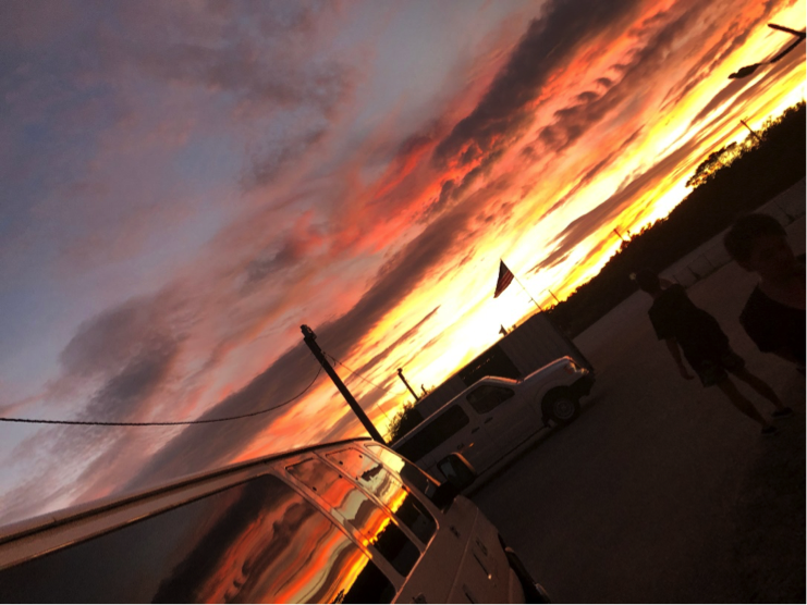 前日に引き続き、綺麗な夕日を見ることができました!!