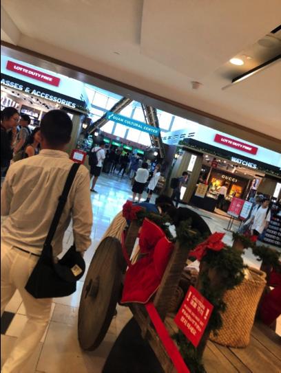 免税店などで買い物を各自済ませ飛行機の時間を待ちます。