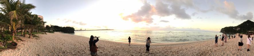 ビーチの様子をiPhoneにてパノラマ撮影