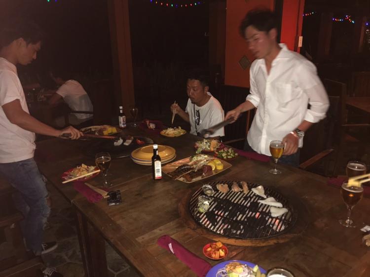 牛肉、オマールエビ、牡蠣、ささみ肉、白身魚、トウモロコシ、イカetc、、、